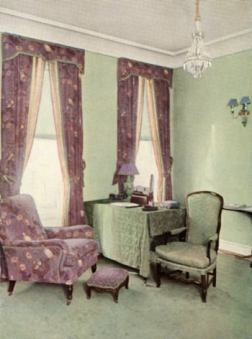 mauvechintzdullgreenroom